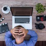 体調不良の原因は仕事?どういった症状が危険なサイン?